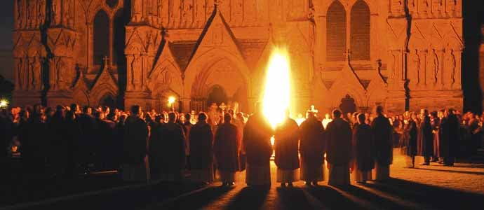 Cathedral_Salisbury_EasterFire