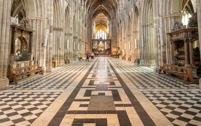 Visit Worcester Cathedral 2020